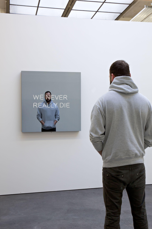 WE NEVER REALLY DIE by Jeppe Hein, König Galerie