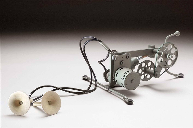 Macchina che respira by Piero Fogliati, Gagliardi e Domke Contemporary