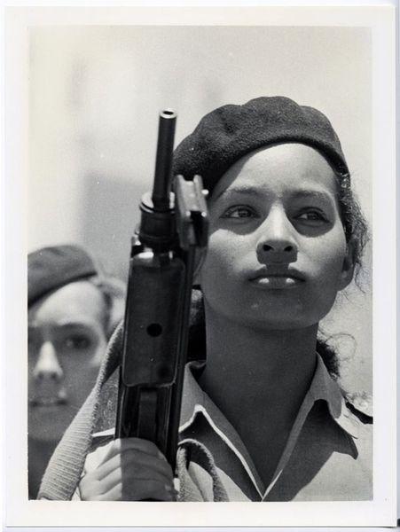 Miliciana 1963 by Alberto Korda, Hammer Consulting