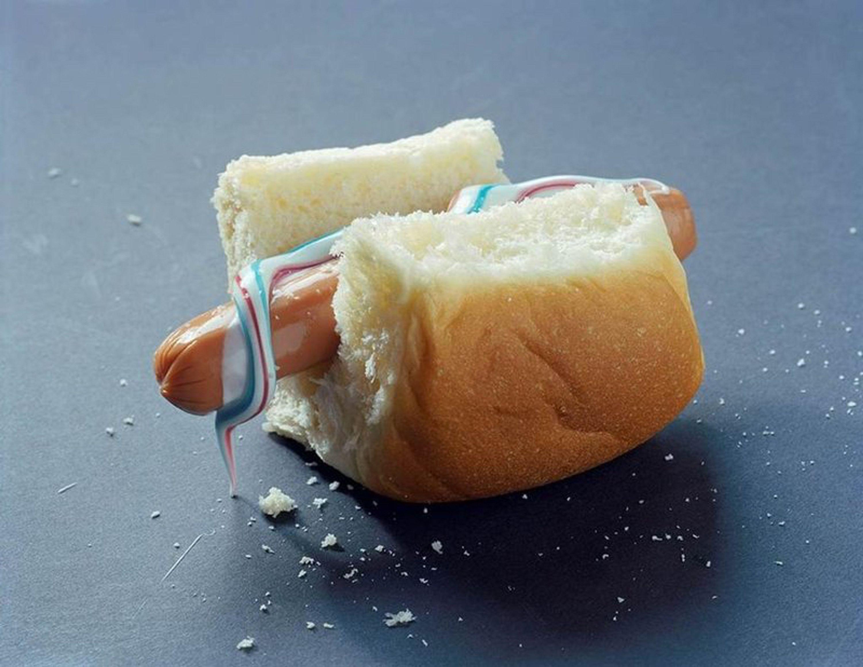 Hot dog by Torbjørn Rødland, Mario Chaparro